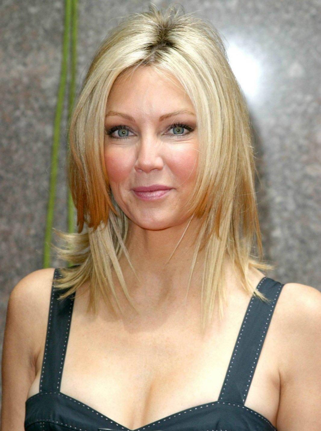 Варианты стрижки каскад на средние волосы фото